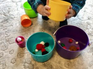 Pom pom sorting toddler pom pom activity fund other activities easy toddler activity cheap toddler activity Busy toddler
