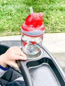 Nuby review 3D silicone bib thirsty kids flip-it freestyle review thirsty kids flip-it boost review toddler travel cups reviews toddler cups straw review crumb catcher bib review